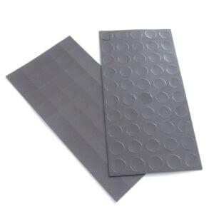 Magneetfolie, voorgesneden in strips. In rondjes of vierkantjes.